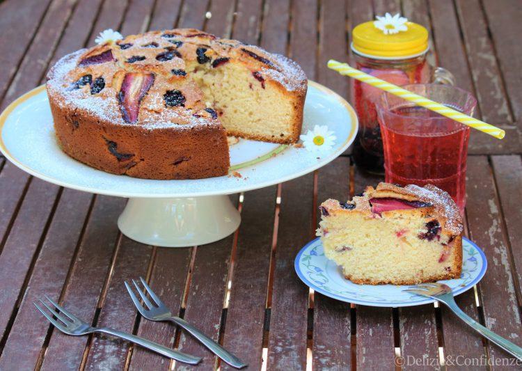 Torte Da Credenza Alice : Torta alle fragole more e mirtilli delizie & confidenze